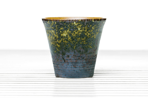 High-sided Flared Tea Bowl With Outer Speckled Glaze And Inner Light Brown Glaze